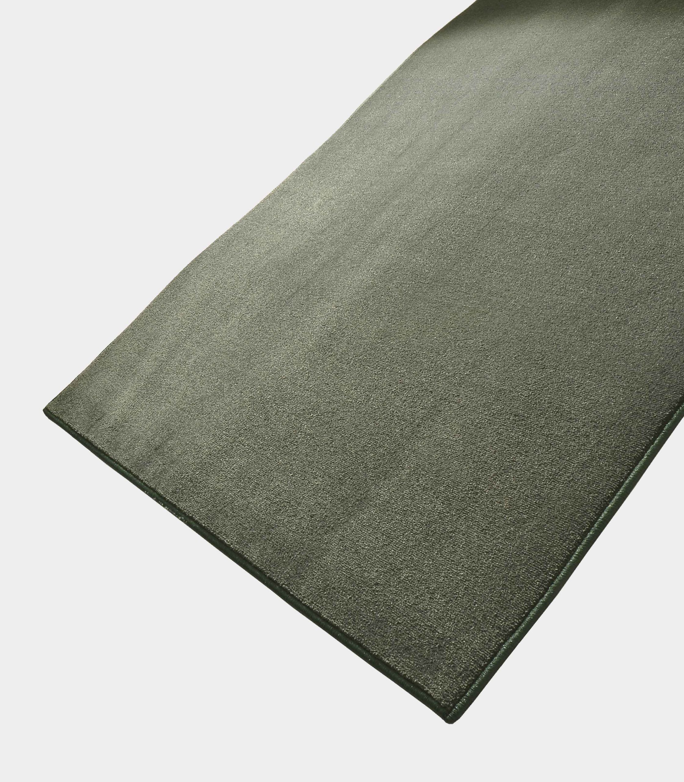 """Solid"" middle olive green rug in monocolor fabric loopo milano design FD"