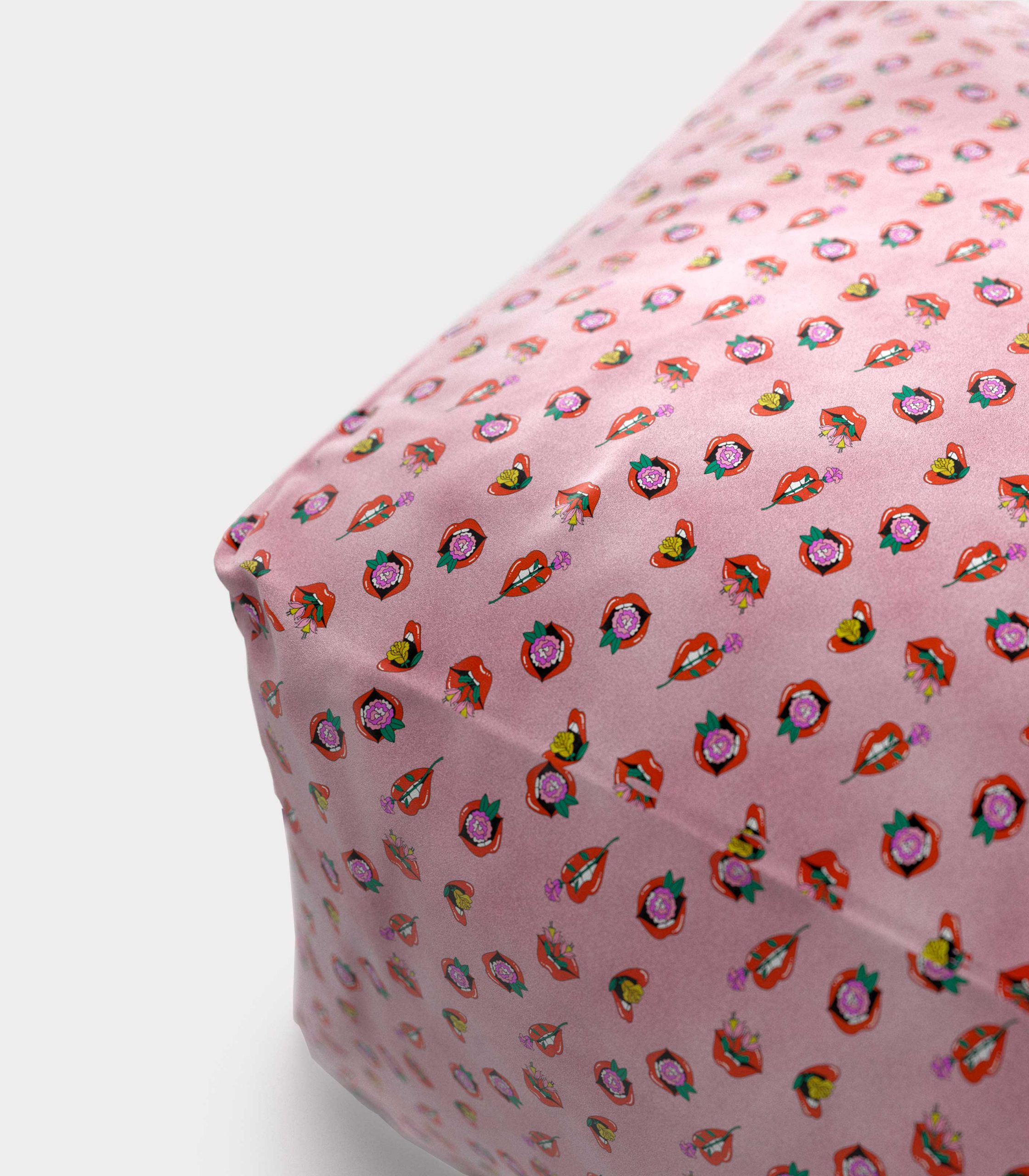 "Polystyrene Pouf with ""Mouths and Flowers"" pattern loopo milan design Z"