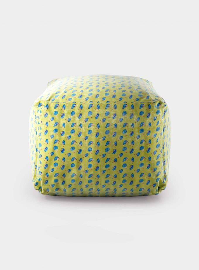 "Polystyrene Pouf with ""Shells and Legs"" pattern loopo milan design F"