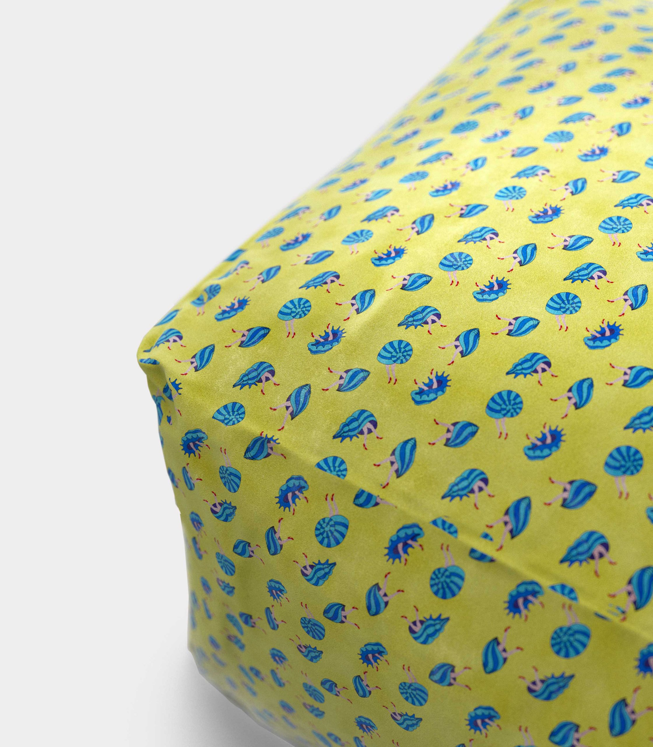 """Polystyrene Pouf with """"Shells and Legs"""" pattern loopo milan design Z"""